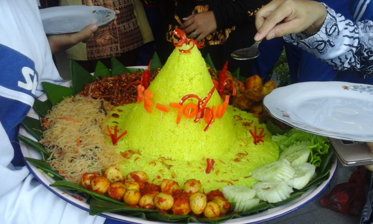The festively decorated, saffron-infused rice that became a feast for teachers and students alike.