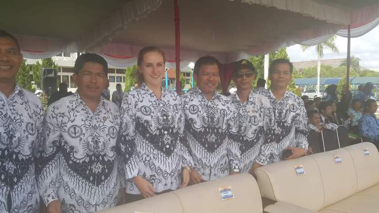 Some of the Bapaks I met during the ceremony. The audience was awash with black and white batik.