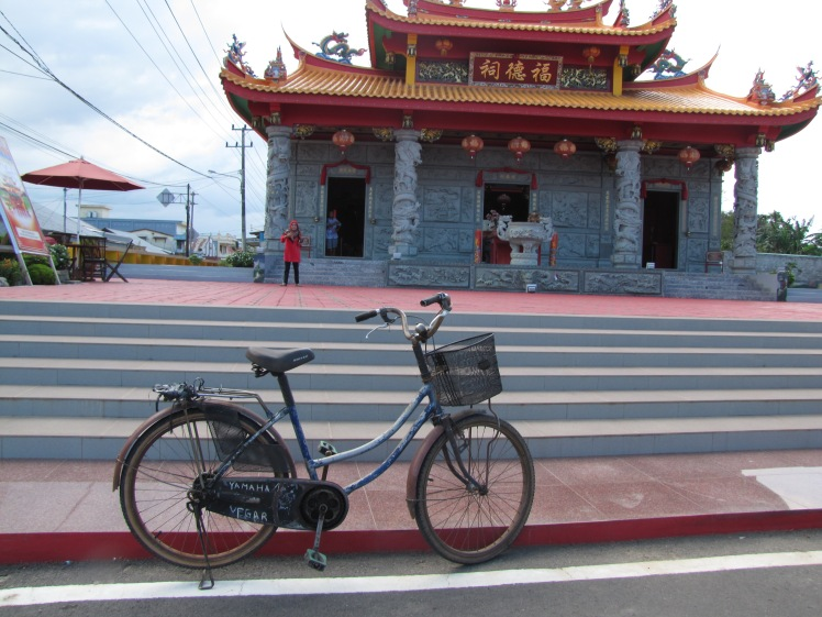 A Chinese Buddhist temple in the middle of a small town in Eastern Belitung.