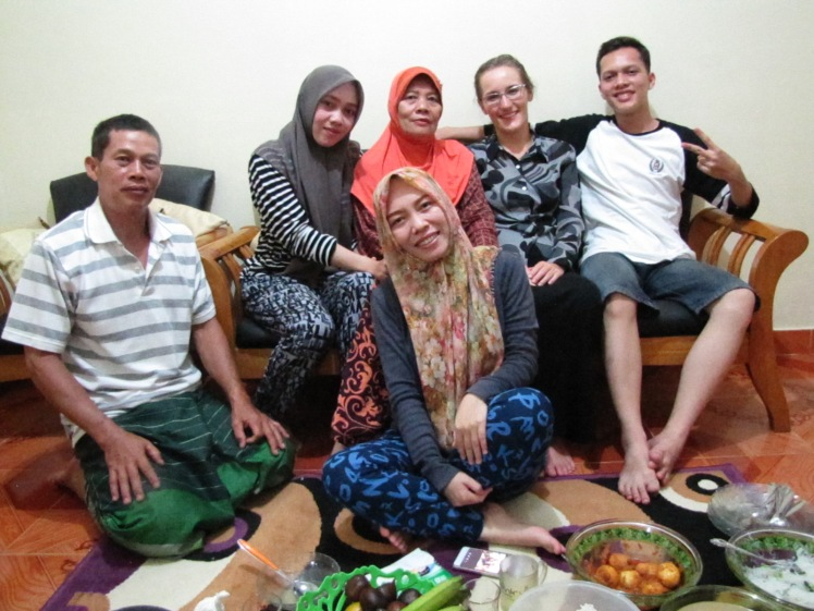Papa, Sisva, Mama, Manggo, me, and Yoga: the happy family of Grade-A people.