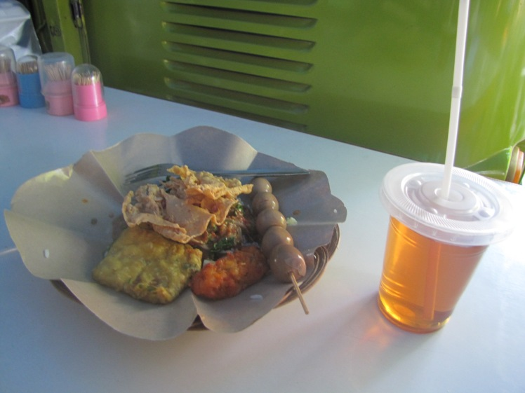Breakfast Sunday morning at my favorite warung.