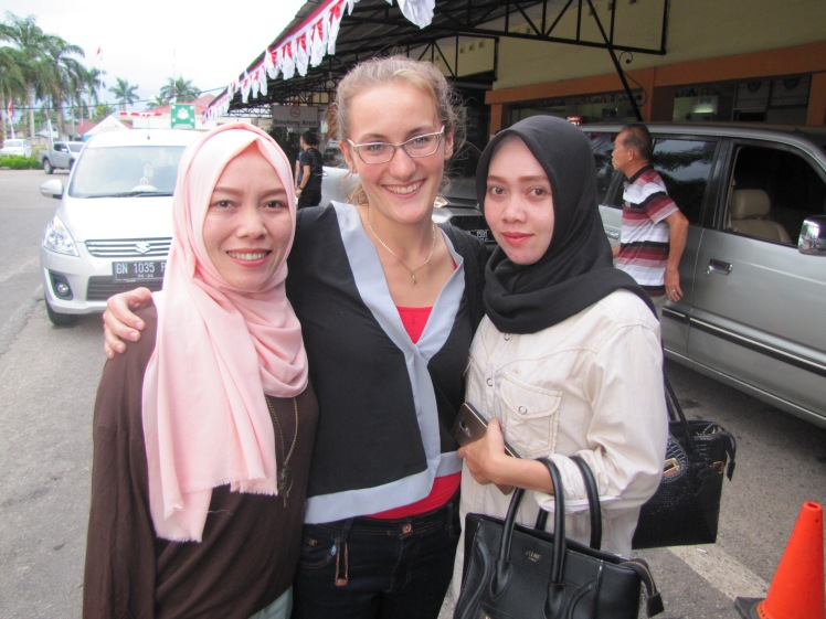 The ever-stunning and supremely lovely Miss Manggo (left) and Miss Sisva (right), who came to the airport to watch my plane take off.