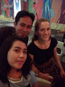 I went to SUTOS in the wee hours of the morning this past Saturday with some of my new Indonesian friends, Robby and Ani and several others. Great times with great people and no one batted an eye at my bule-ness.