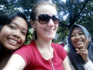 Left to right: Zahra, me, Lusy.